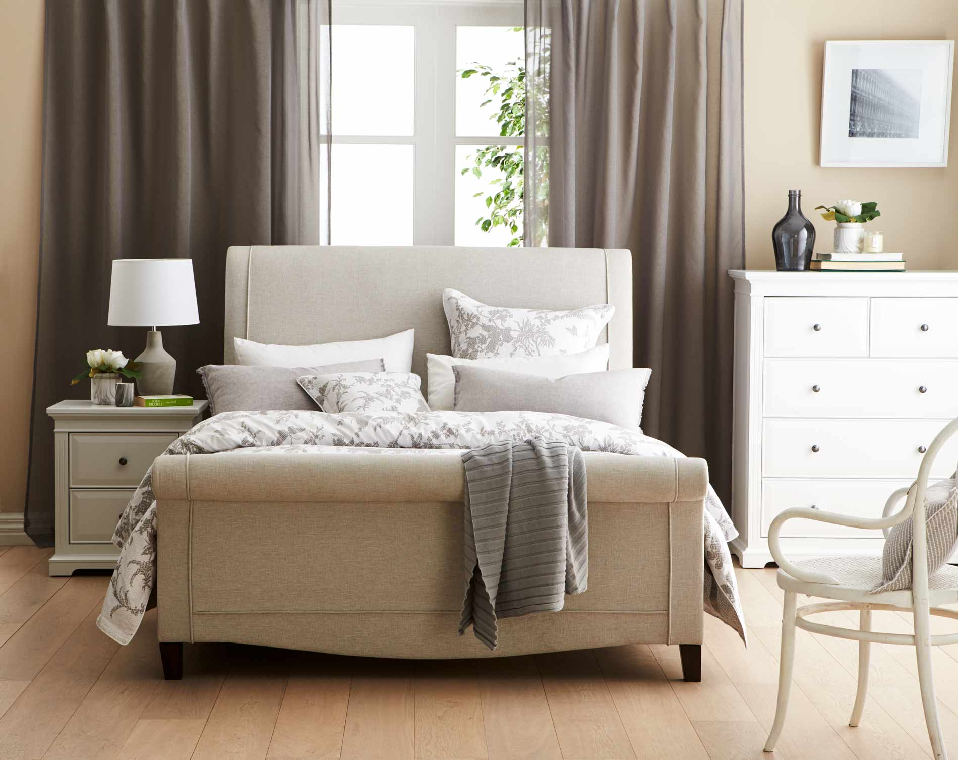 King Bed Linen Styling