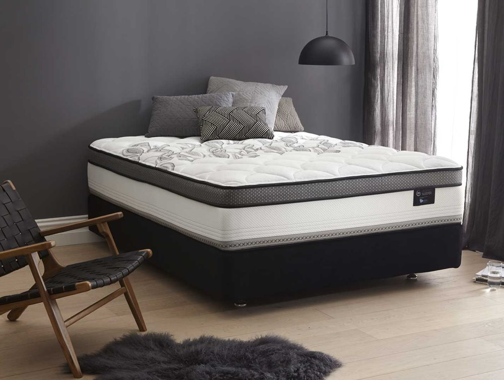 ELITE MEDIUM QB MATTRESS image 1