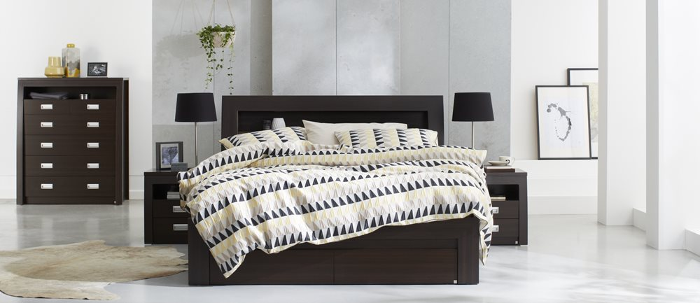 Metropolis Bookend Bed Frame W/Gas Lift Storage Chocolate   Bedroom ...